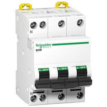Disjoncteur DT40N 3P+N 25 ampères A9N21418