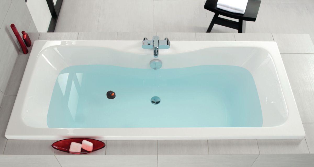 baignoire avec robinet intgr gallery of cet ensemble mitigeur encastr sur gorge de baignoire. Black Bedroom Furniture Sets. Home Design Ideas