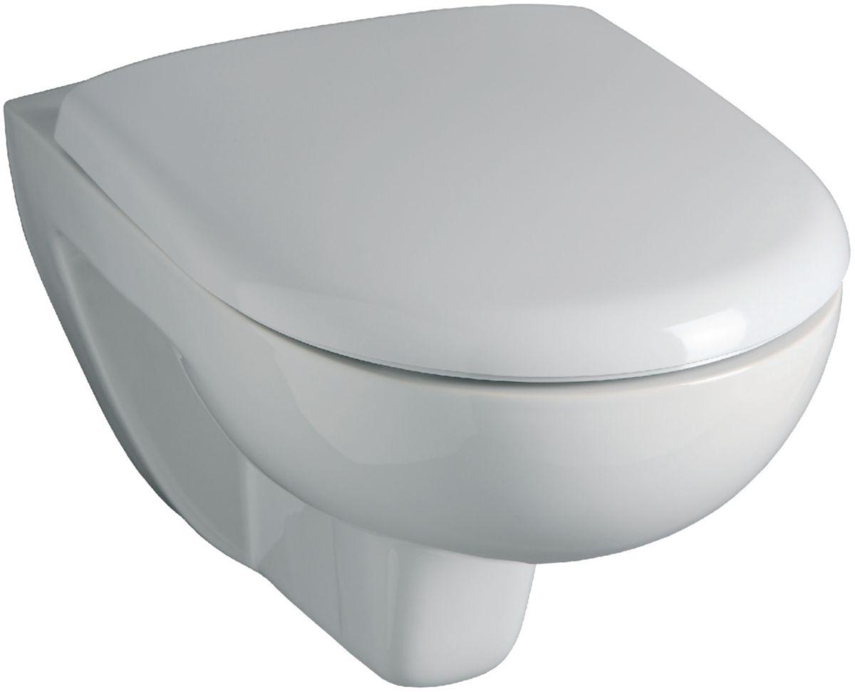 photo wc suspendu pose duun wc suspendu geberit avec habillage en carrelage du toilette par nos. Black Bedroom Furniture Sets. Home Design Ideas