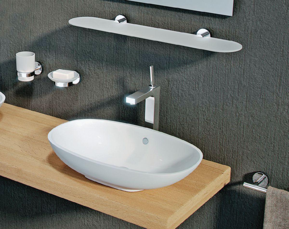 Distributeur de savon avec distirbuteur en metal chrome 6,8 x 10,7 x 15,9 cm réf. 23811300200