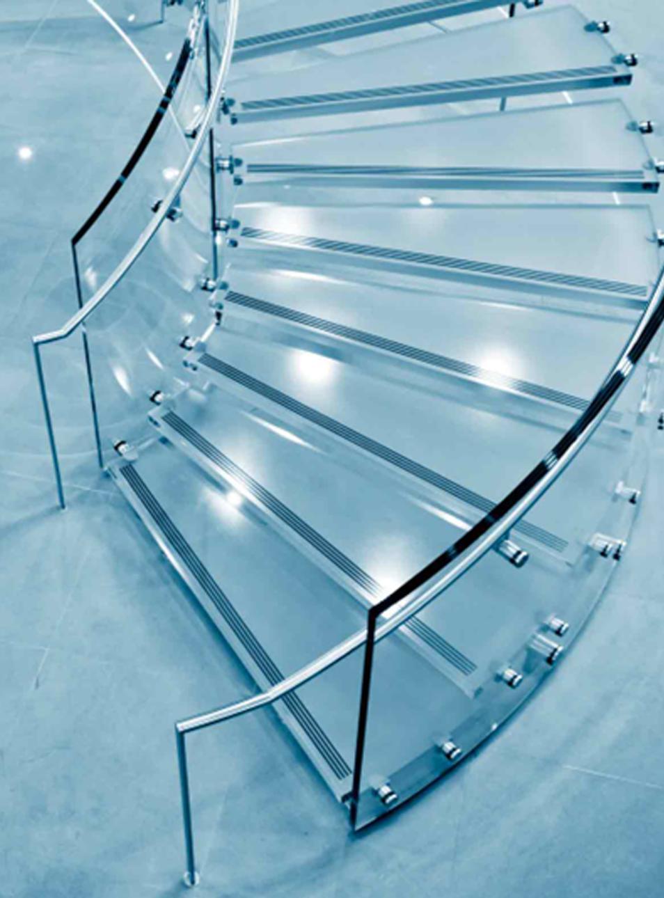 Escalier en colimaçon transparent