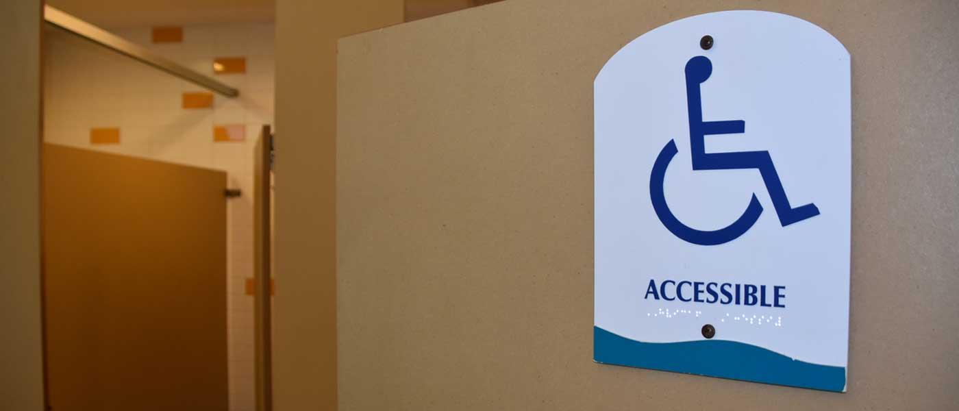Accessibilité PMR : Normes pour la salle de bain et les WC | Cedeo